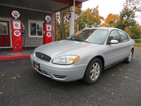 2006 Ford Taurus SEL in Silver Frost Metallic