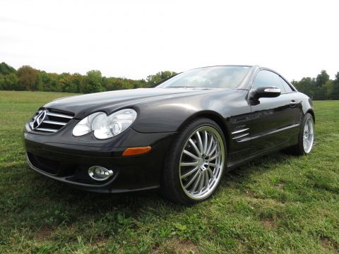 2007 Mercedes-Benz SL 550 Roadster in Obsidian Black Metallic