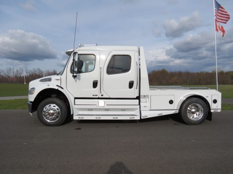 2011 Freightliner Business Class M2 SportChassis RHA114-350 in Northstar White