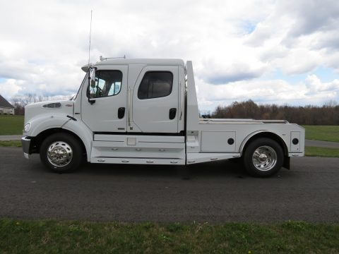 2011 Freightliner Business Class M2 SportChassis RHA114-450 in Northstar White