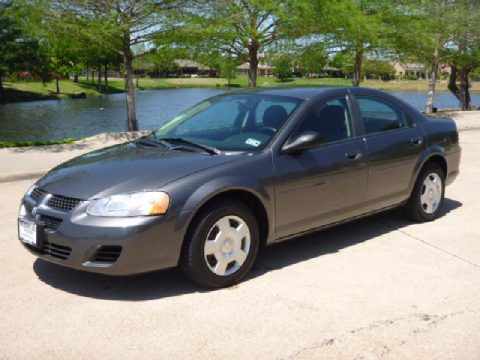 2005 Dodge Stratus SXT Sedan in Graphite Metallic