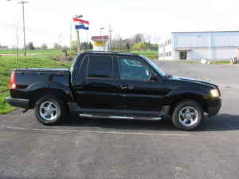 2005 Ford Explorer Sport Trac XLS 4x4 in Black Clearcoat