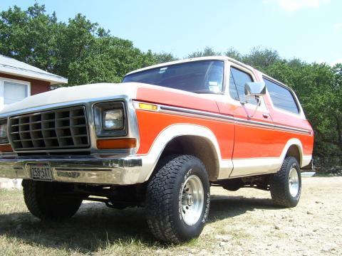 1979 Ford Bronco Custom in Burnt Orange