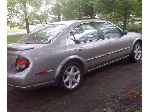 2000 Nissan Maxima SE in Gray Lustre Metallic