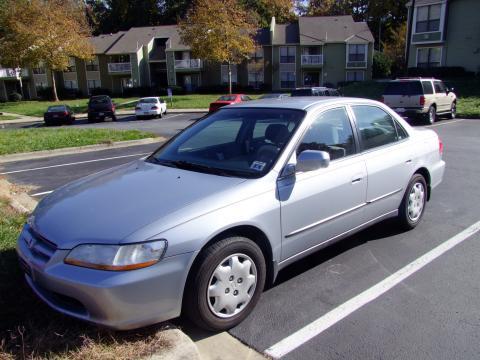 1998 Honda Accord LX Sedan in Regent Silver Pearl