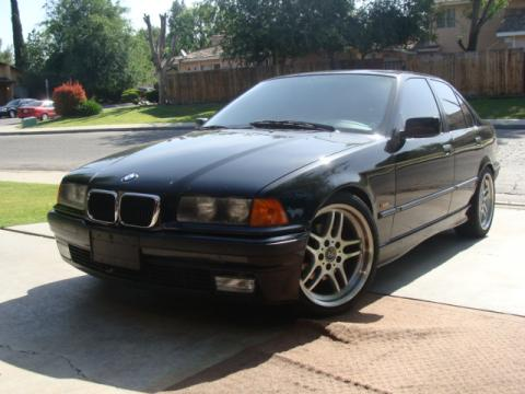 1997 BMW 3 Series 328i Sedan in Jet Black