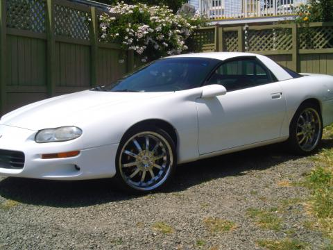 2001 Chevrolet Camaro RS Coupe in Arctic White